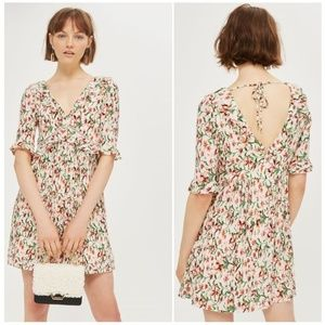NWT Topshop Size 10 Floral Crinkle Mini Dress